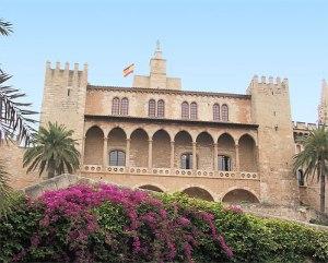 PALACIO-REAL-ALMUDAINA-MALLORCA-LENGUA-DE-SIGNOS-HOTELES-MALLORCA